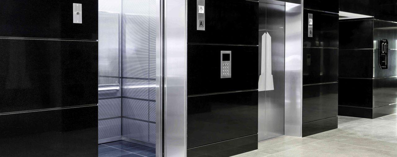 Un único propietario puede obligar a su comunidad a instalar un ascensor en el edificio.